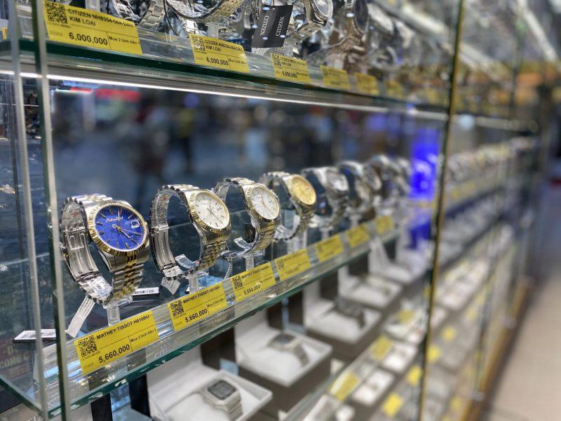 Tiệm Kinh Doanh Đồng Hồ Cao Cấp, Chất Lượng