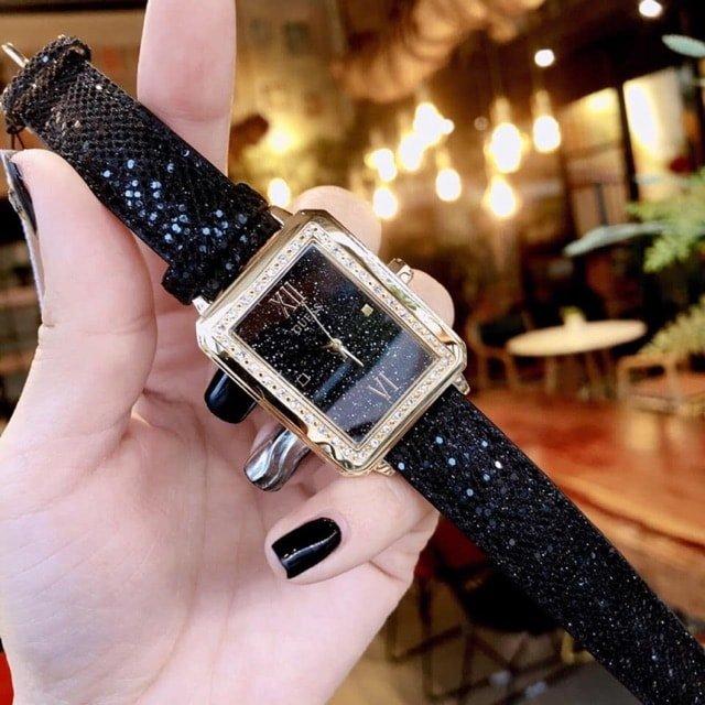 Đồng hồ nữ dây da Guess