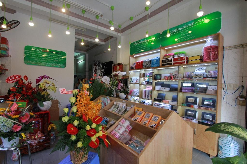 cửa hàng mỹ phẩm Bình Dương