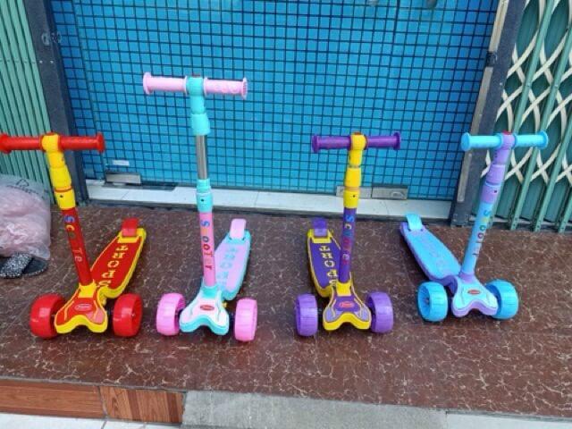 xe trượt cho bé 2 tuổi