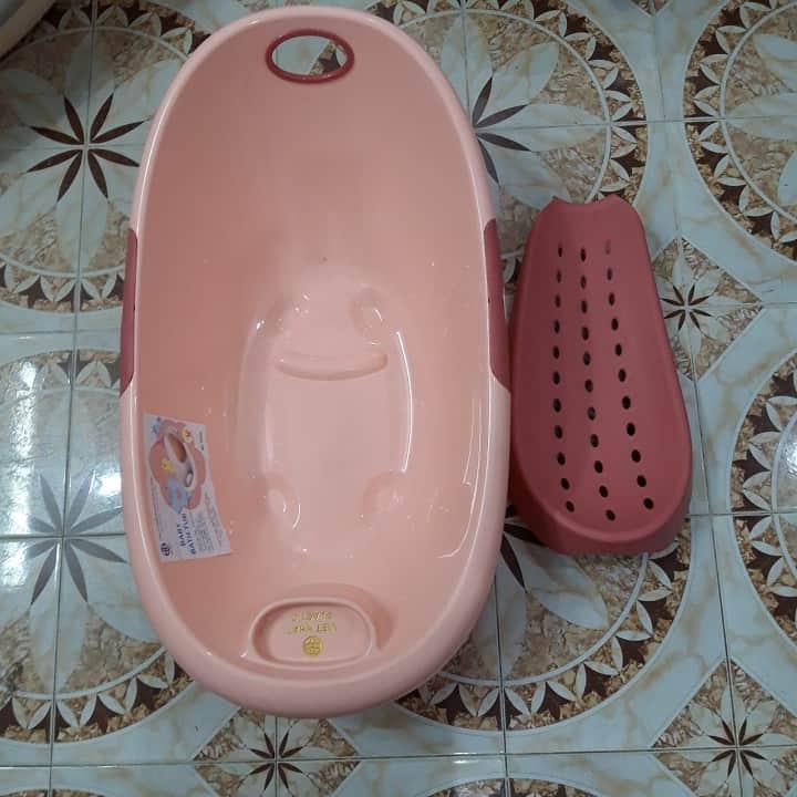 Chậu tắm cho bé loại nào tốt