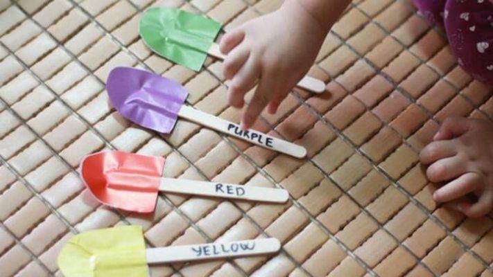 Cùng trẻ sáng tạo thêm nhiều trò từ những chiếc que kem xinh xinh này nhé!