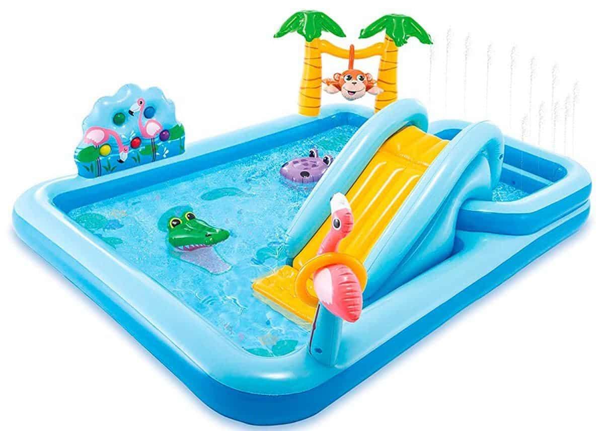 Có nên mua bể bơi cho bé