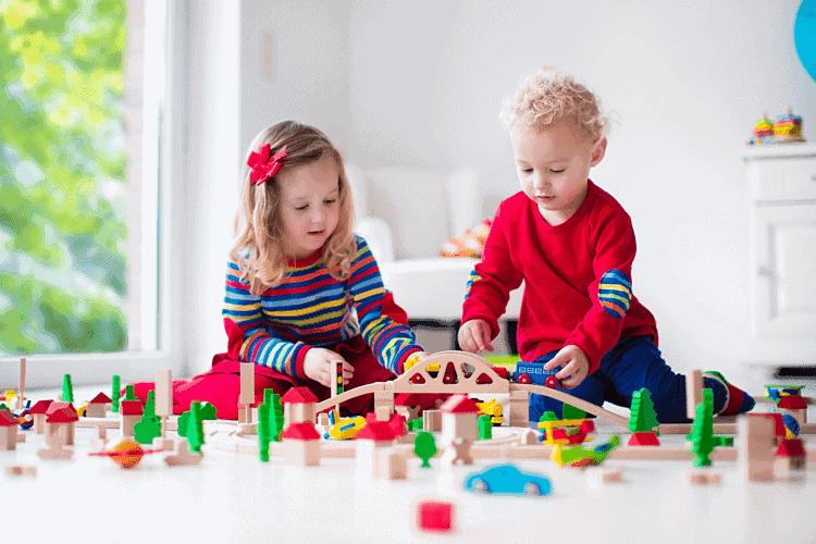 Chọn đồ chơi cho bé 3 tuổi mẹ cần lưu ý gì
