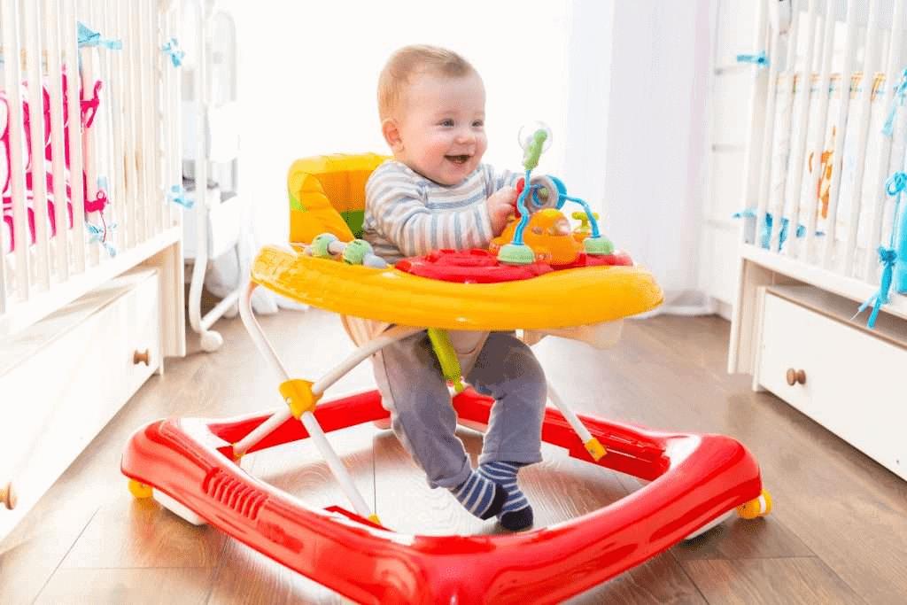 Củi chòi chân xe tập đi trẻ sơ sinh