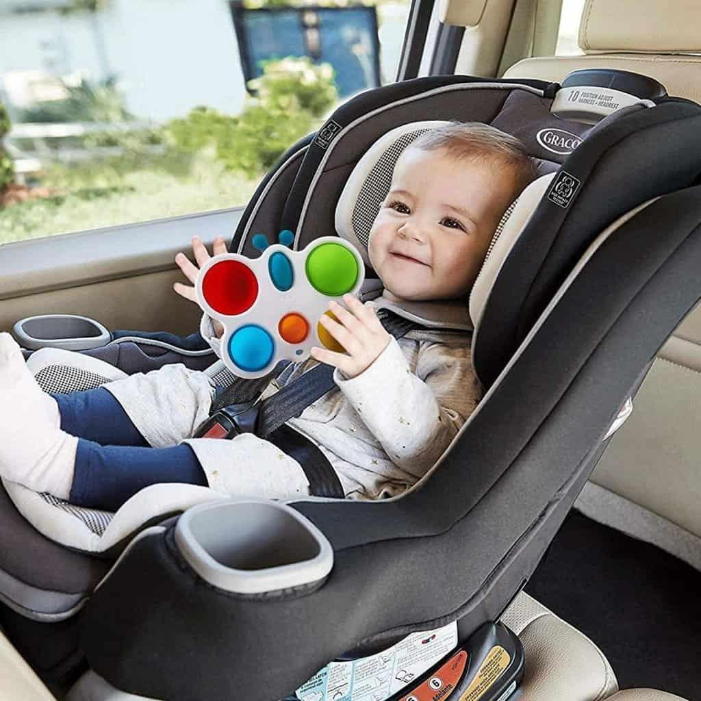 đồ chơi cho trẻ 2 tháng tuổi